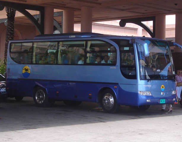 Bahamas-Experience-Bus(size1